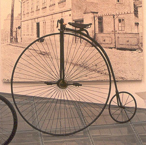 A penny-farthing or ordinary bicycle, quiz